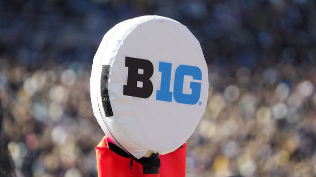 Big Ten changes course, aims for October start to football season
