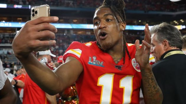 Nfl Nba And Espn Expand Snapchat Content Deals Sportspro Media